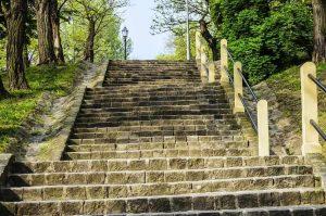monter et descendre un escalier